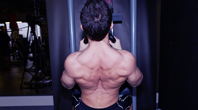 v bar lat pulldowns